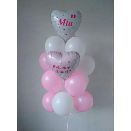 Бело-розовый фонтан для новорожденной малышки