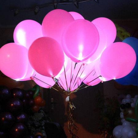 Букет из розовых светящихся шаров