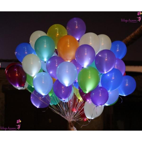 Букет разноцветных светящихся шаров