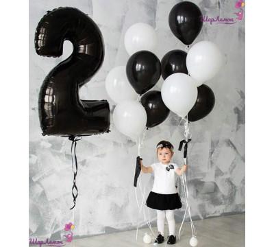 Черно-белая композиция из шаров на 2 года