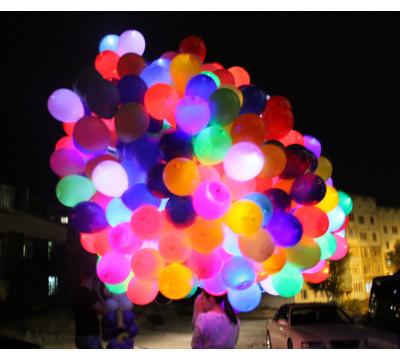 Гигантское облако разноцветных светящихся шаров