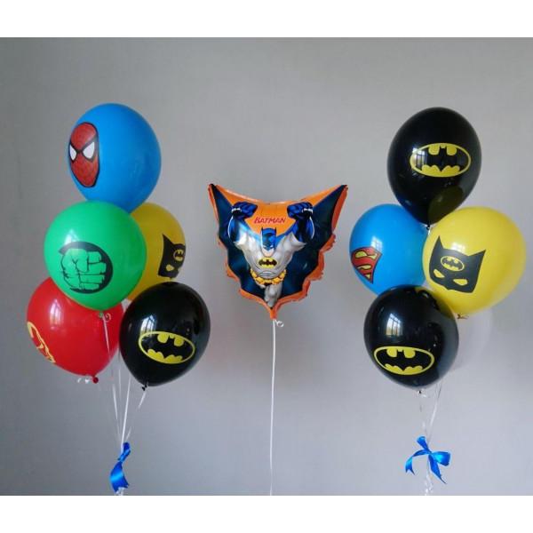 Композиция с Бэтменом и другими супергероями